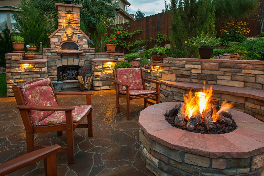 Outdoor Fire Pits and Fireplace Ideas for your Backyard! | Createscape